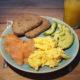 Het Ultieme Ontbijt: Scrambled Eggs met Zalm & Avocado